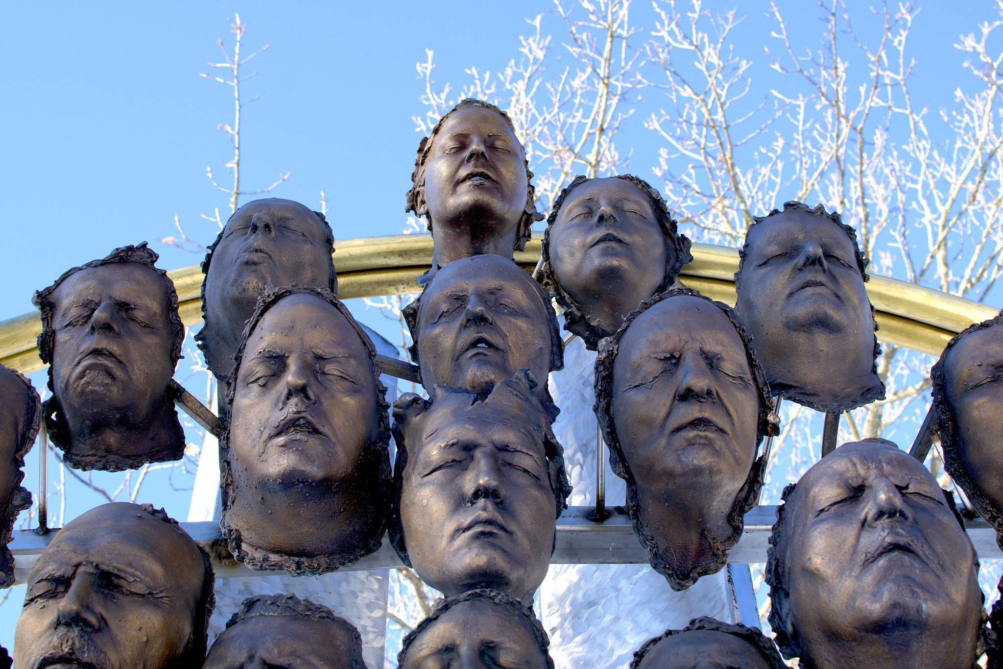 100 Bronze-cast Faces to Commemorate the Centenary of Armistice 6