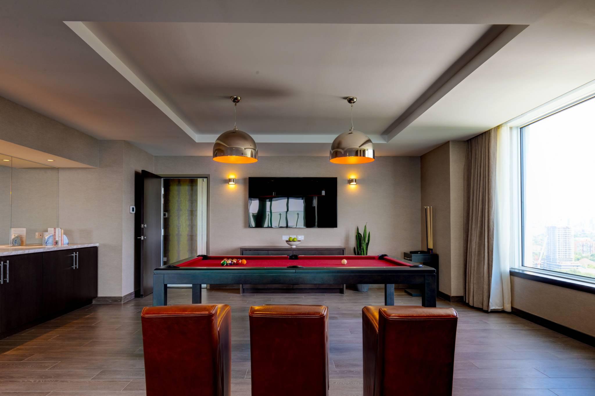 6000 a night toronto hotel x 4